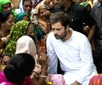 Rahul Gandhi meets striking sanitation workers