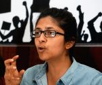 DCW chief meets Delhi riot victims, assures justice