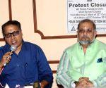 Demanding VAT cut, Delhi petrol pumps to shut on October 22-23