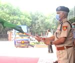 New Delhi : Delhi Police Commissioner SN Srivastava flag off two Jansampark Vahan, meant for creating awareness among people on Covid Appropriate Behaviour in New Delhi. Source : IANS_WS