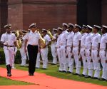 German Navy Chief meets Indian Admiral