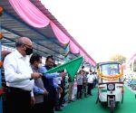 Mangu Singh flags off e-Rickshaw facility from Jamia Millia Metro Station