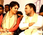 Priyanka meets Rahul amid talks of truce with Pilot