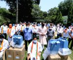New Delhi : Member of Parliament from West Delhi Parvesh Sahib Singh along with Baijayant Panda, (Vice President, BJP) and Sidharthan deployed Oxygen Concentrators to provide oxygen services in New Delhi.