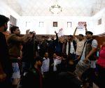 DUSU, ABVP demand early resolution of DU teachers issues