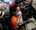Olympics: Mirabai returns to India, gets felicitated (ld)
