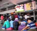People watch Railway Budget 2015-16 at Railway Station
