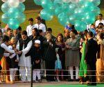 President Mukherjee pays tribute to Pandit Jawaharlal Nehru