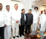Punjab, Himachal CMs meet in Delhi