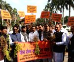 Shiv Sena stages walkout from LS over farmers issue
