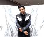 Guru Randhawa recreates his own track 'Outfit'