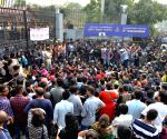 Media manhandled at JNU students' protest