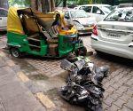 2 dead as truck hits autos, pedestrians near India Gate