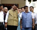 Devendra Fadnavis visits BJP office