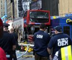 New York: Two buses collide