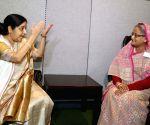 New York: Sushma Swaraj meeting Bangladesh Prime Minister Sheikh Hasina