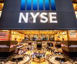 US stocks close higher amid economic data