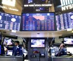 US stocks fall amid downbeat data