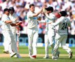 Free Photo: New Zealand gain 85-run lead against England.
