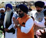 Manjit Singh GK visits Golden Temple