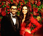 Power couple Ranveer Singh & Deepika Padukone pose with boxer Amir Khan in London!