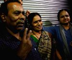 Nirbhaya's parents show victory sign