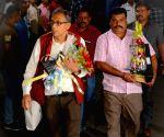 Abhijit Banerjee reaches Kolkata to a tumultuous welcome