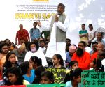 Kailash Satyarthi pays tribute to Mahatma Gandhi