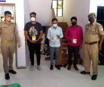 3 held in Delhi for selling Remdesivir injections in black