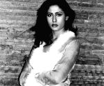 Prateik remembers 'gorgeous lady' Smita Patil on b'day