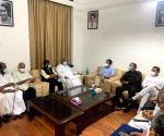 14 parties attend oppn meet, AAP also joins in