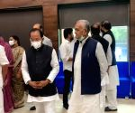 Show of unity by oppn at Rahul Gandhi's breakfast meet