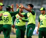 Pak cricketers to be in 5-day quarantine before England tour