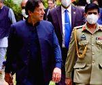 India walks out of UNGA protesting Imran's diatribe (Ld)
