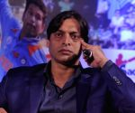 Akhtar questions Ind-Pak cricket ban, amid 'tamatar, pyaz' business
