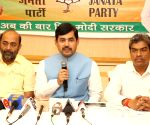 Many PM aspirants in mahagathbandhan, their dream won't be fulfilled: Shahnawaz