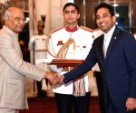 Panama Ambassador-designate presents credentials to President Kovind