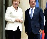 FRANCE PARIS HOLLANDE MERKEL MEETING