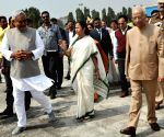 Nitish sees off Mamata Banerjee