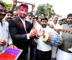 Chirag Paswan celebrates Holi with party workers