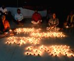 India switches off power, and lights up to thank 'Corona warriors'