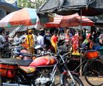Kolkata : People gathered and neglected social distance at local vegetable market during lockdown on Coronavirus pandemic in Kolkata