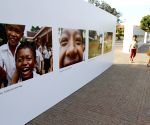 Phnom Penh (Cambodia): Exhibition of children's photos to mark the Universal Children's Day in Phnom Penh