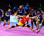 Gujarat crush Haryana in PKL clash