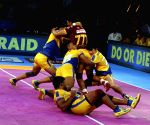 Pro Kabaddi League - Tamil Thalaivas and U.P. Yoddha