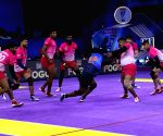 Indo International Premier Kabaddi League - Bangalore Rhinos Vs Mumbai Che Raje