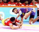 Pro Kabaddi Season 7 - Dabang Delhi KC Vs Gujarat Fortunegiants