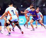 Panchkula (Haryana): Pro Kabaddi Season 7  - Bengal Warriors Vs Dabang Delhi K.C.
