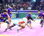 Pro Kabaddi Season 7 - Dabang Delhi Vs Bengal Warriors