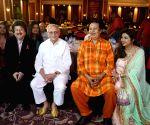 Gulzar, Pankaj Udhas, Bhupinder Singh, Mitali Singh during the launch of a music album